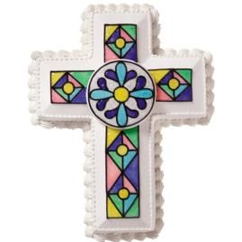 Tinted Piping Gel gives this cake its realistic shimmer and shine. It's one holiday design that's sure to earn high praise from family and friends!Cake Design, Easter Cake, Baptisms Cake, Celebrities Cake, Communion Cake, Glasses Cake, Beautiful Crosses, Stained Glasses Crosses Cake, Earn High