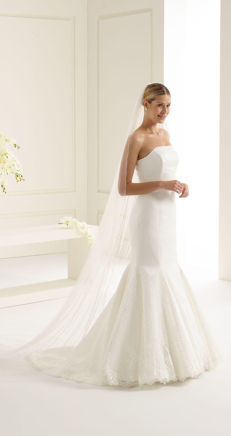 Gorgeous veil S154 from Bianco Evento #biancoevento #veil #swarovski #weddingdress #weddingideas #bridetobe