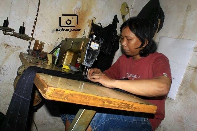 #asliBandung ada pabrik TAS KAMERA  Loh di Bandung :)!BB 27C4EC4E~SMS#wts 085769552103 www.taskameramurah.com .Alamat showroom. Komplek pesona Bali Residence, B2 no3, jl. Bojongsoang,Bandung (Tas Kamera Badrun Junior) :)
