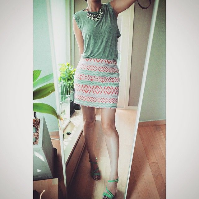 # #오늘 의 #아웃핏 #outfit for #today . . . . #ootd #daily #dailylook #옷스타그램 #팔로우 #follow #me #fashion #style #패션 #스타일 #줌마그램 #줌스타그램 #줌마스타그램 #instadaily #거울샷 #셀스타그램 #selfie #F21XME #korea #포에버21#자라 #zara #zarasale #지니킴 #구두