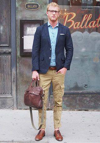 紺ジャケット×カーゴパンツの着こなし(メンズ) | Italy Web