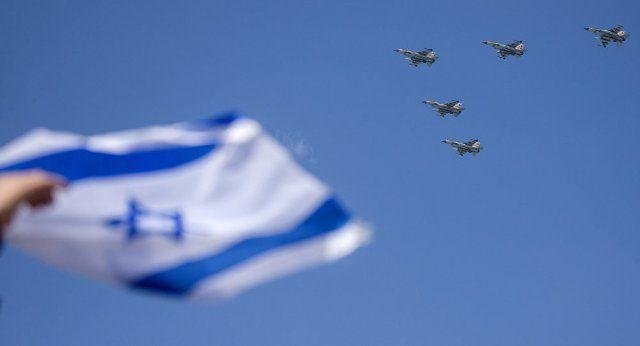 Los analistas temen que una nueva guerra esté a punto de comenzar. De hecho, desde el comienzo de la guerra civil en Siria, en 2011, Israel hizo bomb...