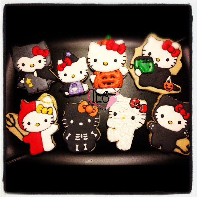 Hello Kitty Halloween by sugarbuff, via Flickr Cookies Pinterest - hello kitty halloween decorations