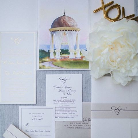 Hand-painted perfection! We love this romantic invitation suite featuring the iconic wedding rotunda and dreamy gold foil accents. #PelicanHillWeddings #EveryDayIsAWeddingDay  @agoodaffair   @agoodaffairnatalie   @momental  @johnwarrenphotography