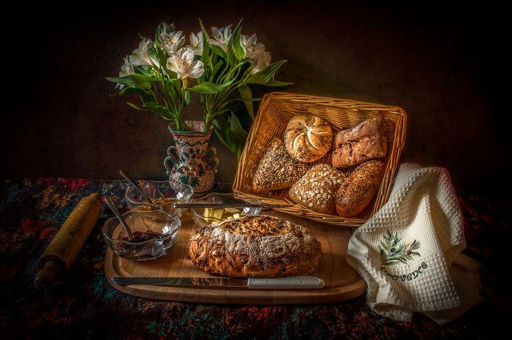 https://flic.kr/p/FtTRXz | Bread | Still life shot of various breads.