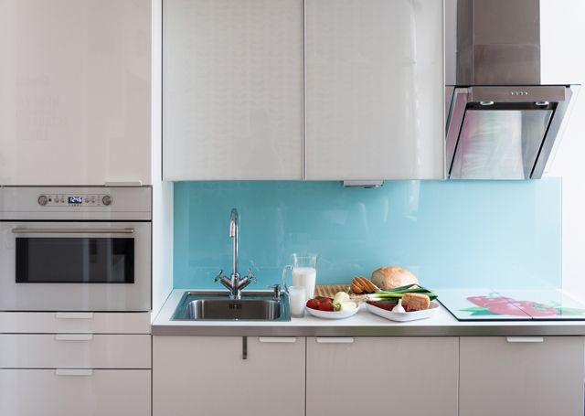 turqoise kitchen splashback