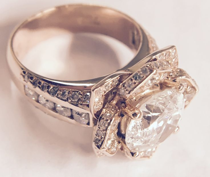 no Dad, this is not yours - 3.7ct centre #diamond & smalls in #18ct  #rosegold ring. #FathersDay 17 Jun