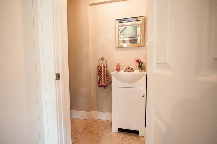Half Bathroom Decorating Ideas: Best 25+ Half Bathroom Decor Ideas On Pinterest