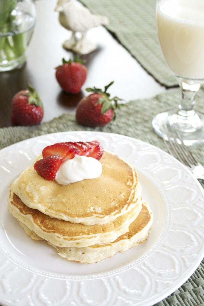Strawberries and Cream Cheesecake Pancakes | Recipe
