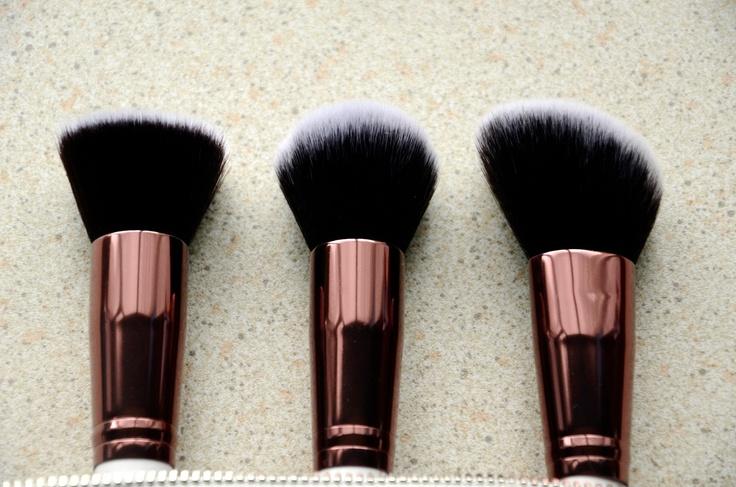 Nima Brush - Elite Collection Rose Gold Kabuki set    Full review here: http://scatterbrainedblogging.blogspot.ie/2013/04/are-you-part-of-elite-nima-brush-makes.html