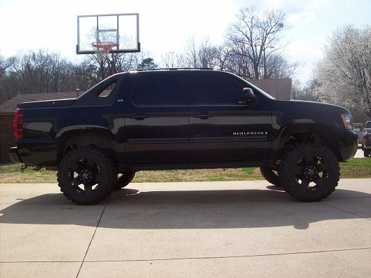 Lifted Chevy Avalanche   2007 Chevrolet Chevy Avalanche LTZ $28,500 - 100376786   Custom Lifted ...