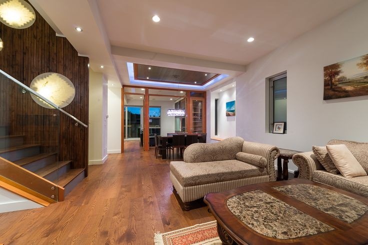 Mian Entertaining Level, Living Room & Dining Room