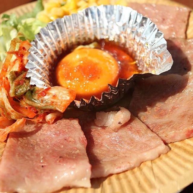 個人的にいちばん美味しかったやつ⊂((・x・))⊃ 期間内にもう一回行きたいなー( ˙-˙ ) . #まんぱく #秋川牛 #秋川牛の焼肉 #焼肉 #肉 #お肉