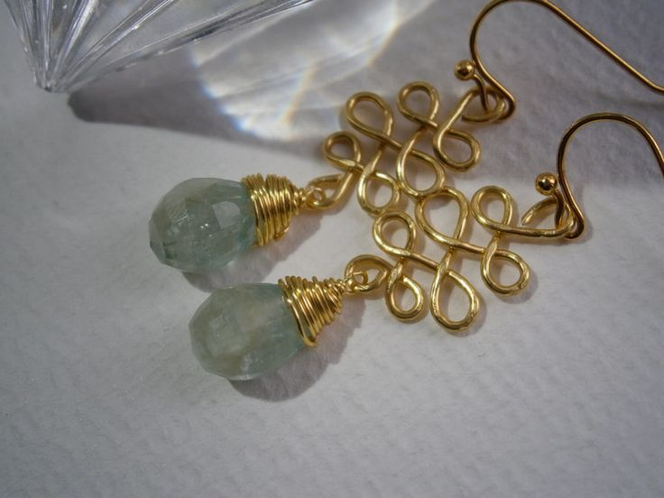 Vergoldete Ohrringe - Ohrringe Aquamarin an Ornament vergoldet - ein Designerstück von kunstpause bei DaWanda