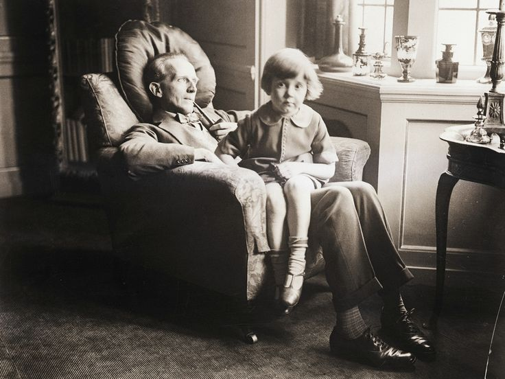 A.A. Milne, author of Winnie-the-Pooh, with his son, Christopher Robin, 1925. (Bettmann/Corbis)