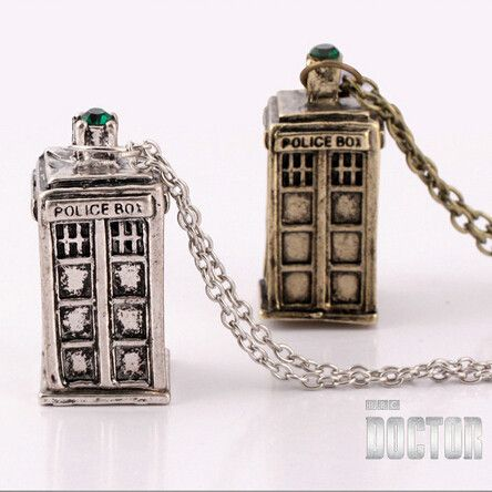 Freeshipping a lot ancient silver TARDIS necklace Doctor Who necklace