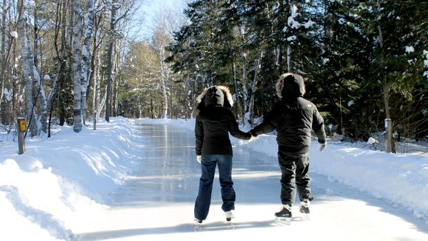Skating trail in Canada! A popular route has returned to Arrowhead Provincial Park, where the skates are out on the ice trail.