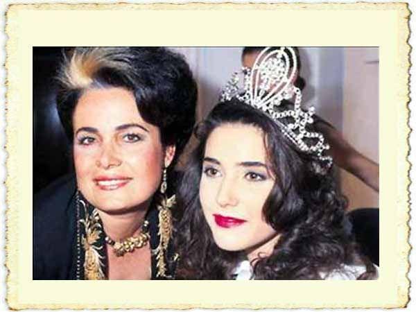 Türk Nostalji - Fotogaleri - 1989 Türkiye Güzeli Yasemin Baradan'ın resmi (annesi Ümran Baradan ile...)
