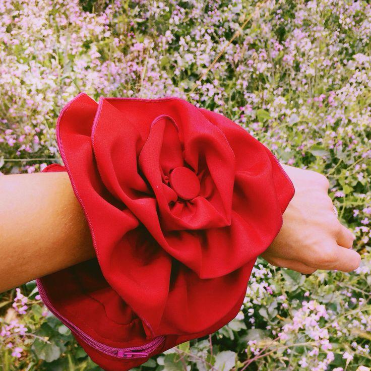 Red rose Bracelet handbag