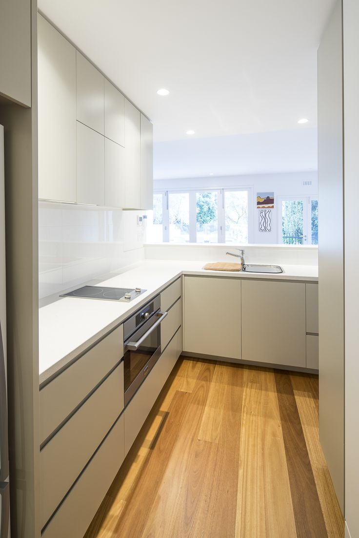 Contemporary kitchenette at Mosman // Woodstock Industries