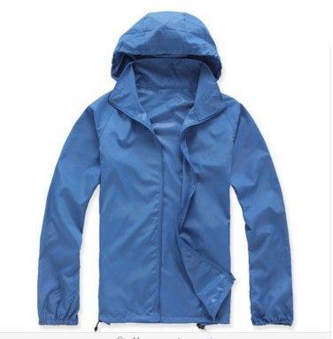 Dámská outdoor bunda modrá – VELIKOST L Na tento produkt se vztahuje nejen zajímavá sleva, ale také poštovné zdarma! Využij této výhodné nabídky a ušetři na poštovném, stejně jako to udělalo již velké množství spokojených …