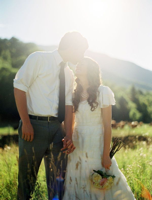 Best 25 Outside Wedding Pictures Ideas On Pinterest Poses Group Photos And