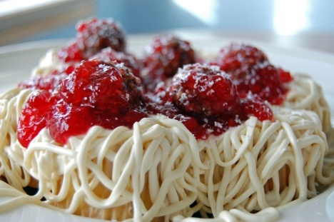 These are CUPCAKES!: Spaghetti And Meatballs, Meatball Cupcake, Recipe, Meatballs Cupcake, Food, April Fools Day, Dessert