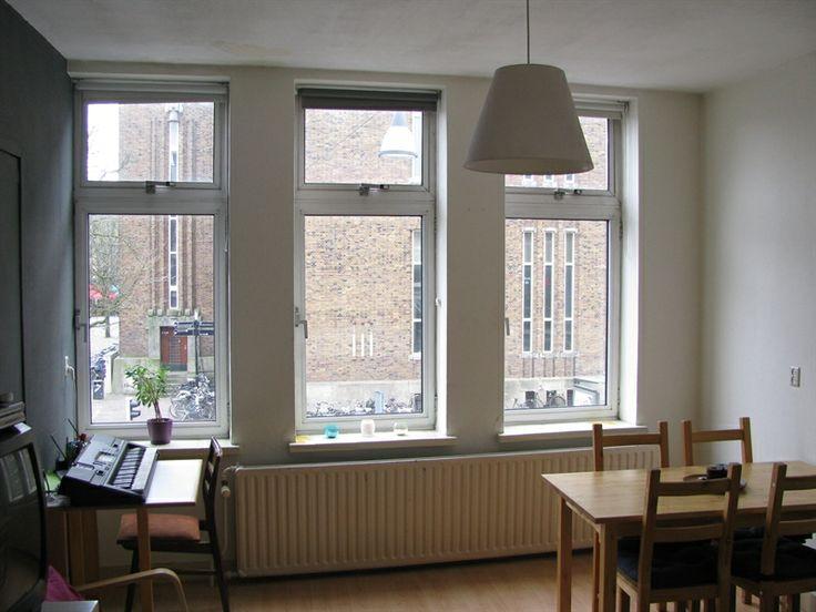 Appartement aan Potterstraat in Utrecht, uitzicht op Neude, eigen huiskamer, gedeelde badkamer, keuken & toilet