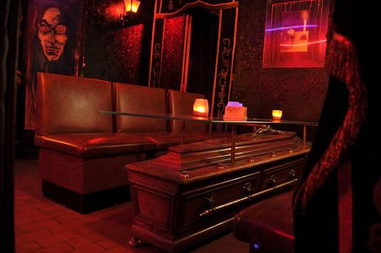 Le Cercueil in Brussels - very cool vampire bar