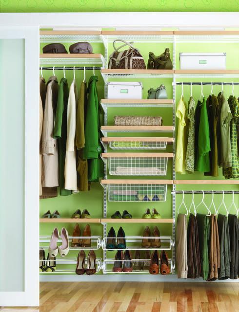 Vestidores y closets de estilo escandinavo por Elfa Deutschland GmbH. Más ideas geniales para vestidores y #clósets