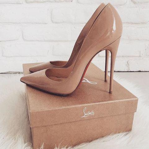 Hannah Prowse   – High Heels