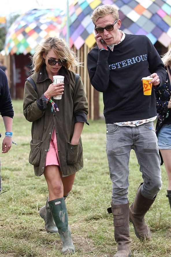 Billy Piper mixes glamour and practicality with this ensemble. Glastonbury 2013 Celebrity Spots
