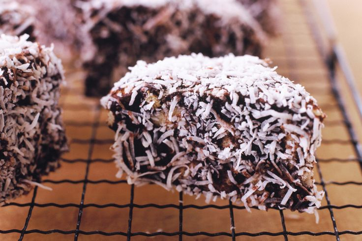 Get+in+the+mood+for+Australia+Day+with+these+super-easy+lamingtons,+perfect+for+those+who+cant+be+bothered+baking!