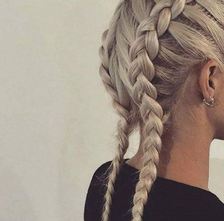 Αναμφισβήτητα ένα από τα τελαυταία trend στα ξανθά μαλλιά για την άνοιξη - καλοκαίρι του 2016. http://www.konstantinosxatzis.com/xantha-mallia/