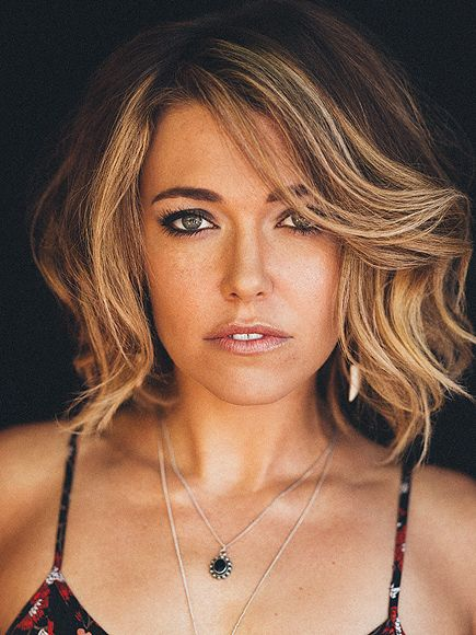 Sneak Peek! Check Out Rachel Platten's 'Fight Song' Video http://www.people.com/article/rachel-platten-music-video-fight-song-exclusive