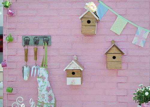Pretty pink garden wall~
