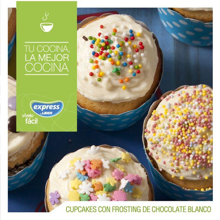 Cupcakes con frosting de chocolate blanco / #Food #Foodporn #RecetarioExpress #ExpressdeLider #Cupcakes #Frosting #Chocolate