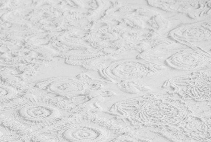 Sfumature, effetti used, pizzi e macramè per le nuove collezioni Refin