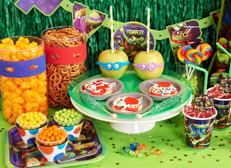 Teenage Mutant Ninja Turtles party sweets table! #TMNTparty #BirthdayExpress