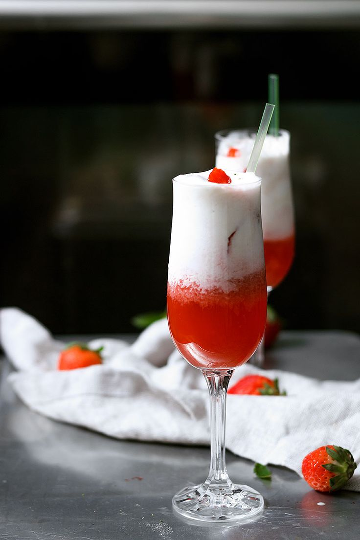 strawberry daiquiri float