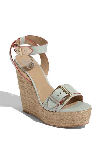 """Pour la Victoire """"Jaclyn"""" Wedge: The Victoir, Fashion Shoes, Sandals 269 00, Fashion Models, Summer Shoes, Wedge Sandals, Shoes Collection, Girls Shoes, Wedges Sandals"""