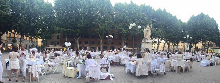 """picnic promosso da """"Andare oltre si può"""" - 06.06.2015 in Piazza Napoleone, #Lucca"""