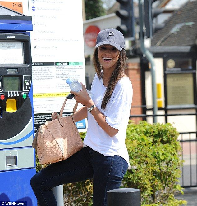 Relaxed style: The 28-year-old actress looked in high spirits as she paid for…