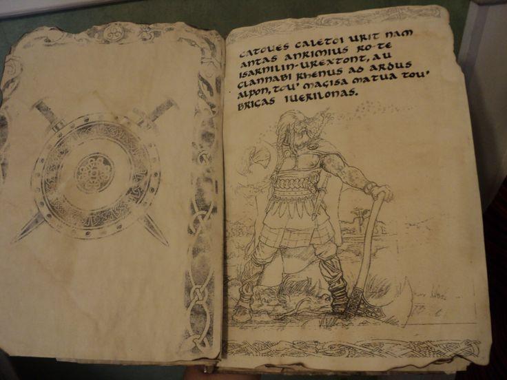 Cada página del libro contiene un texto que es parte de canciones de una banda de folk metal (Eluveitie). Estos textos están en galo o en inglés con el fin de poder apreciar cada trazo, tal como era la tarea para este trabajo: la caligrafía uncial.