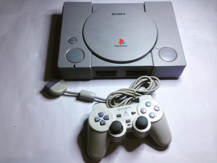 On instagram by warungsijarwo #playstation1 #microhobbit (o) http://ift.tt/1OS3kDf playstation 1 fat kondisi optik josss binggow body sangat mulus siap nostalgia sampe budek.  Kelengkapan:  1 unit ps 1 fat 2 stik dualshock 4 kaset bebas pilih 1 memori card  1 kabel av 1 kabel power  Idr 350k  #playstation  #jualplaystation #90an #jajankonsol #warungsijarwo