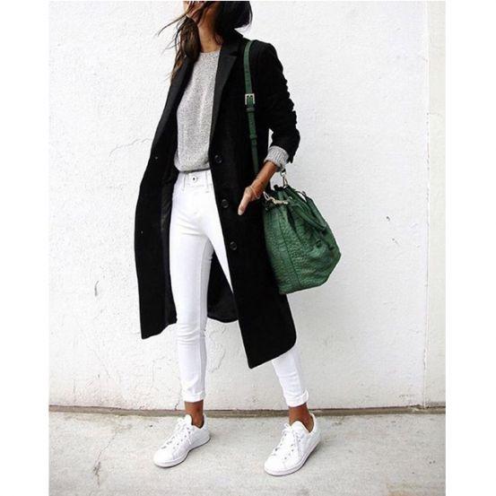 Hij ligt alweer een tijdje op de bodem van onze kast: de witte jeans. Maar nu is hij terug en here to stay! Hoge taille, skinny of gescheurd: wij vonden 21 leuke manieren op Pinterest om je witte broek te combineren.