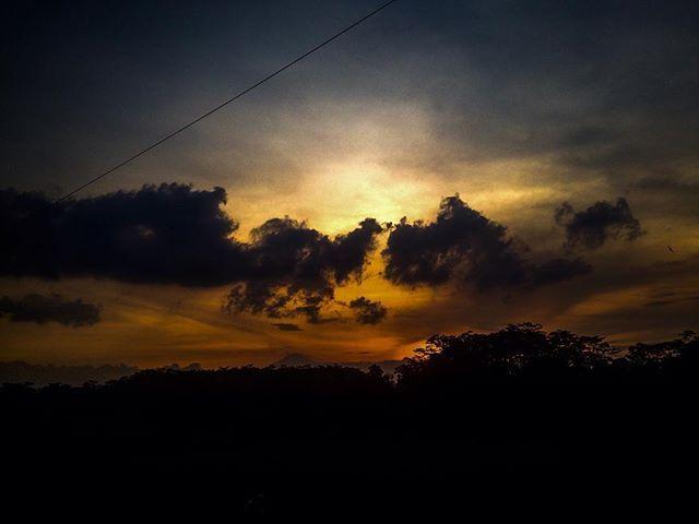 "Reposting @dlmasd: ""Sunset di tanah Jawa"" . . . #photographyart  #photooftheday  #photography  #like4follow #likeforlike  #like4like  #cameraiphone5c  #pekalongan  #pantianom  #sunset  #sunsets  #sunset🌅  #sunsetbeach  #photographysunset"