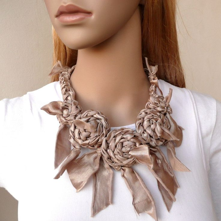 Pale Gold Flower Fiber Necklace Shabby Chic di SallyAnnaBoutique, $49,00