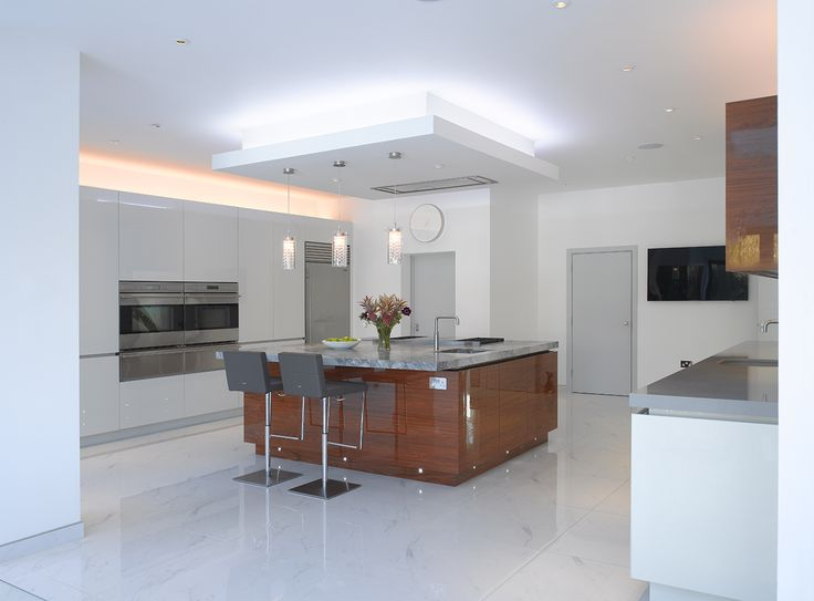 Roundhouse Urbo High Gloss White Lacquer Bespoke Kitchen With Book Matched  High Gloss Walnut Veneer Part 88