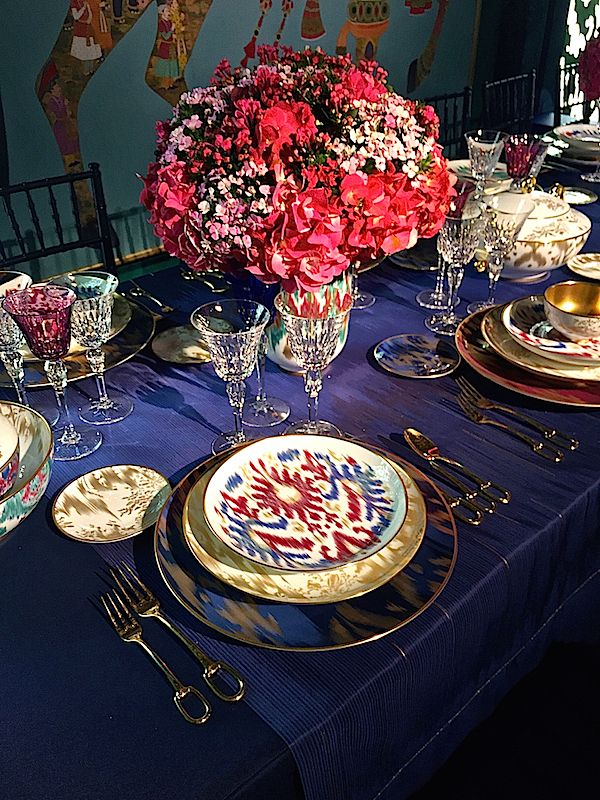 Chic table with Hermès new Voyage en Ikat